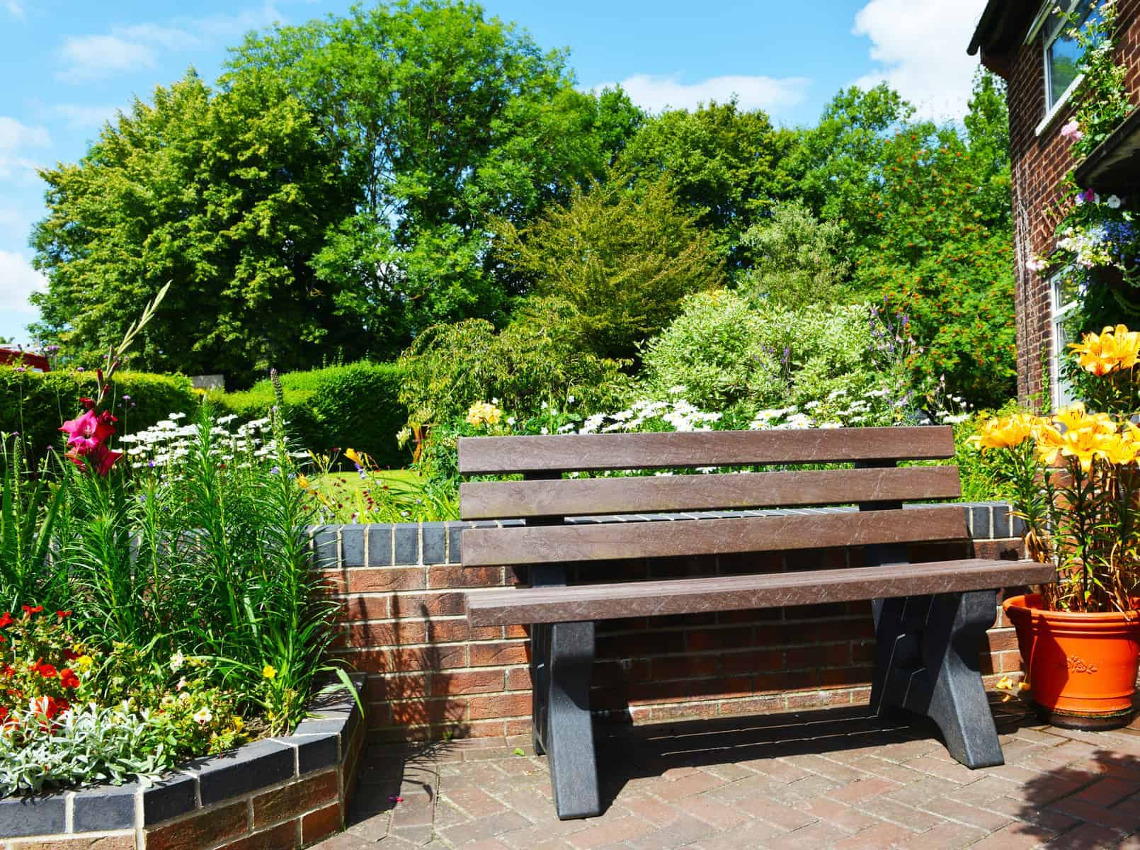 Peak Bench made from recycled plastic waste in garden